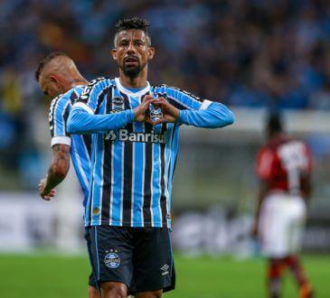 em fim de contrato com o Grêmio
