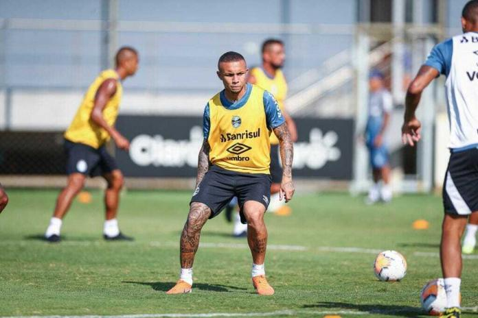 proposta do Napoli por Everton
