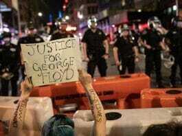 Gremista participa de protestos antirracistas