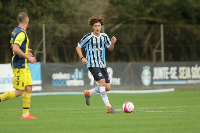 Volante do Grêmio interessa a 8